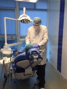 чистка зубів київ